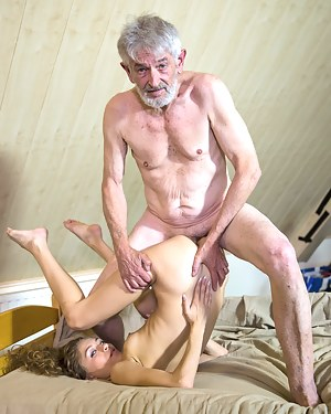 Free Old vs Young Porn Pictures
